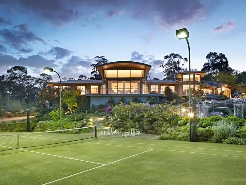 aussie private tennis court