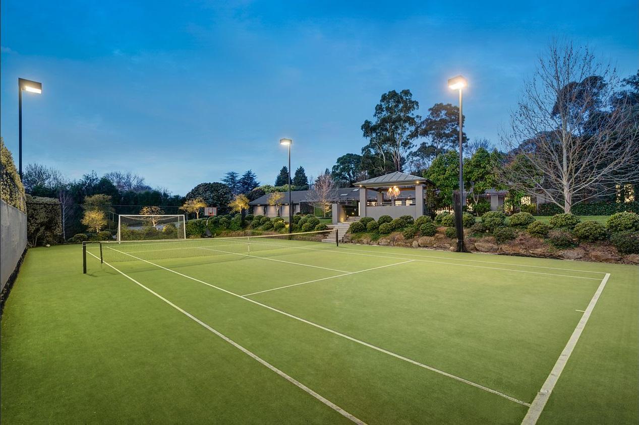 beautiful tennis court 7