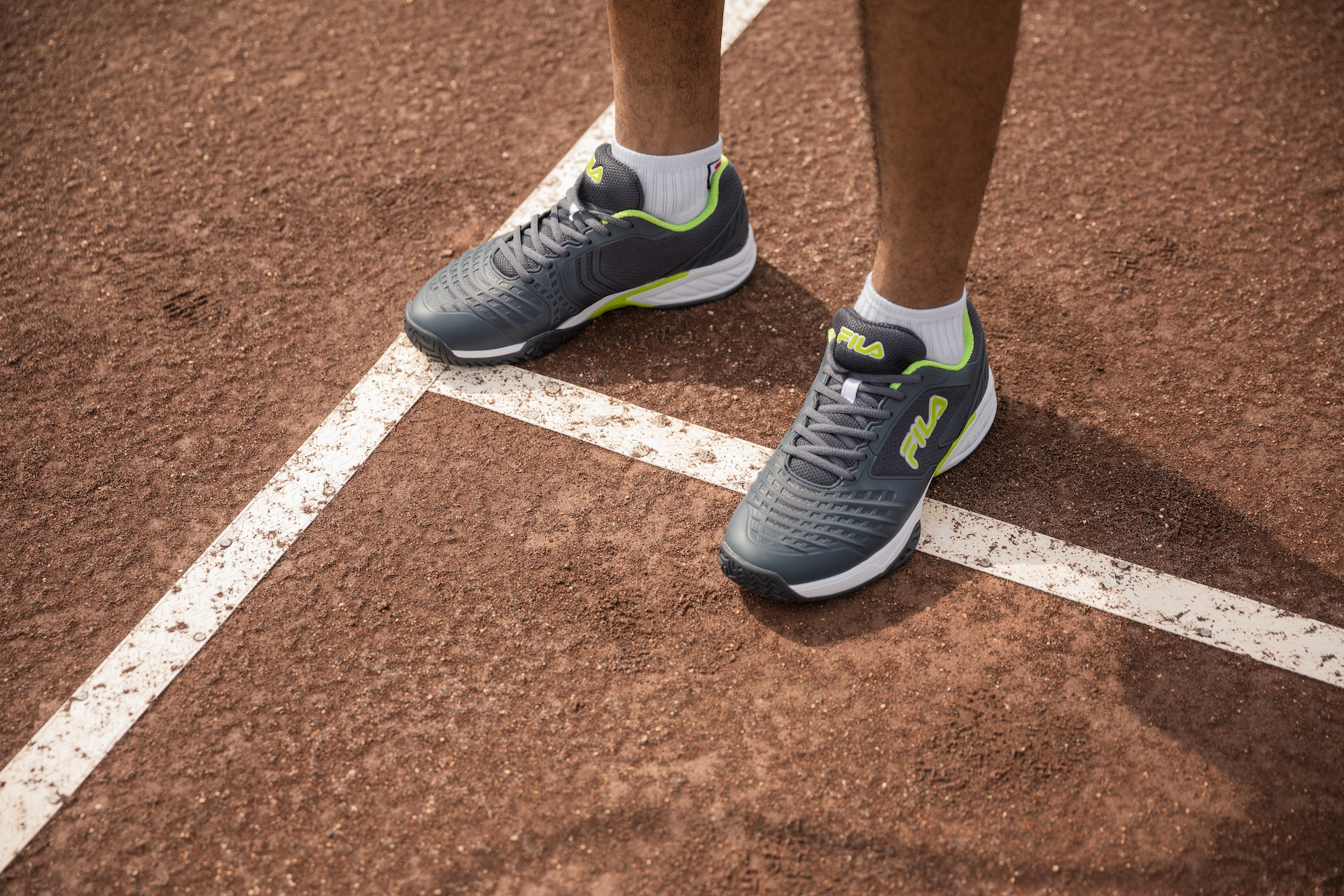 Axilus 2 Energized tennis shoe for men