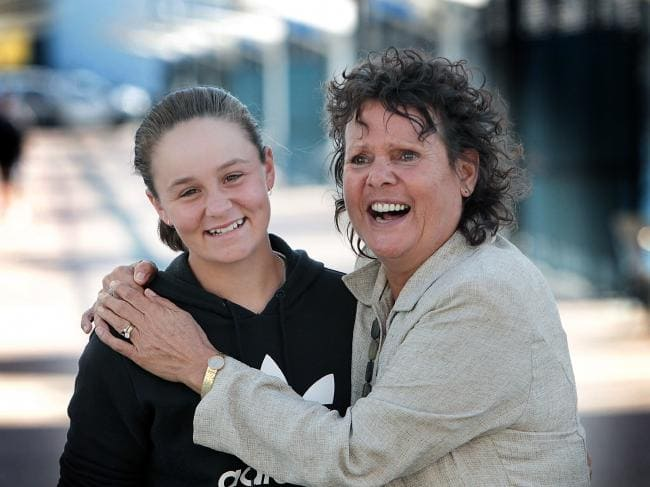 Evonne Goolagong congratulating Ashleigh Barty for her World No. 1 achievement.