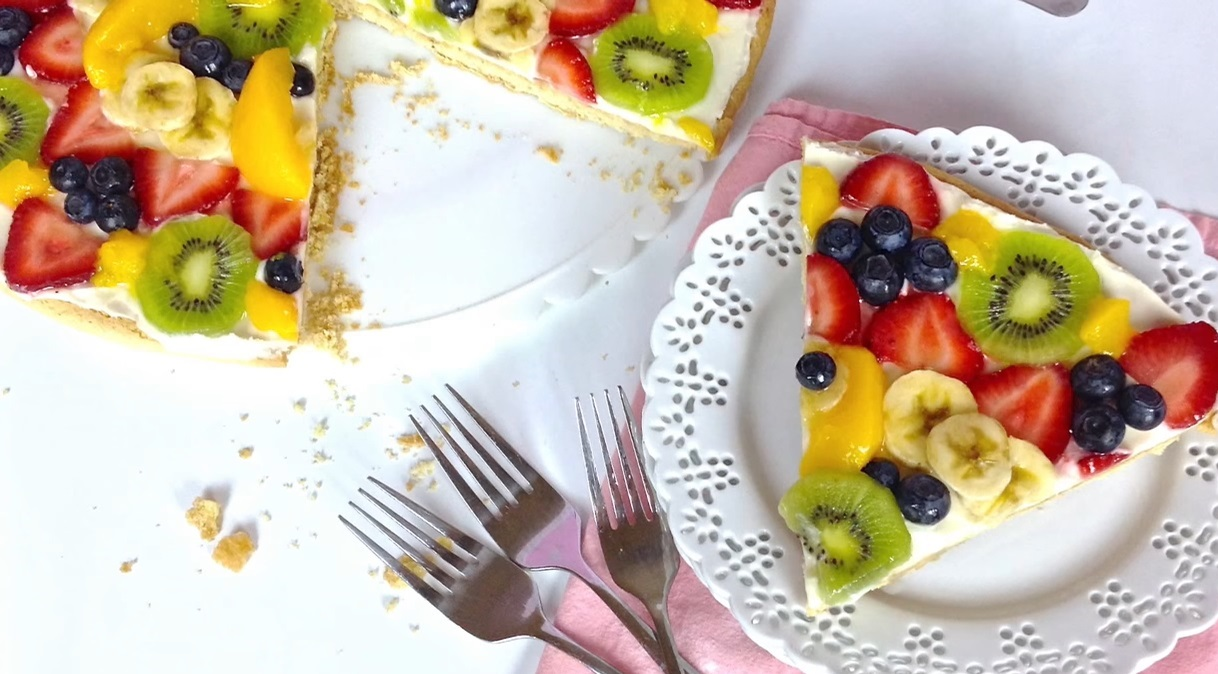 fruit pizza slice