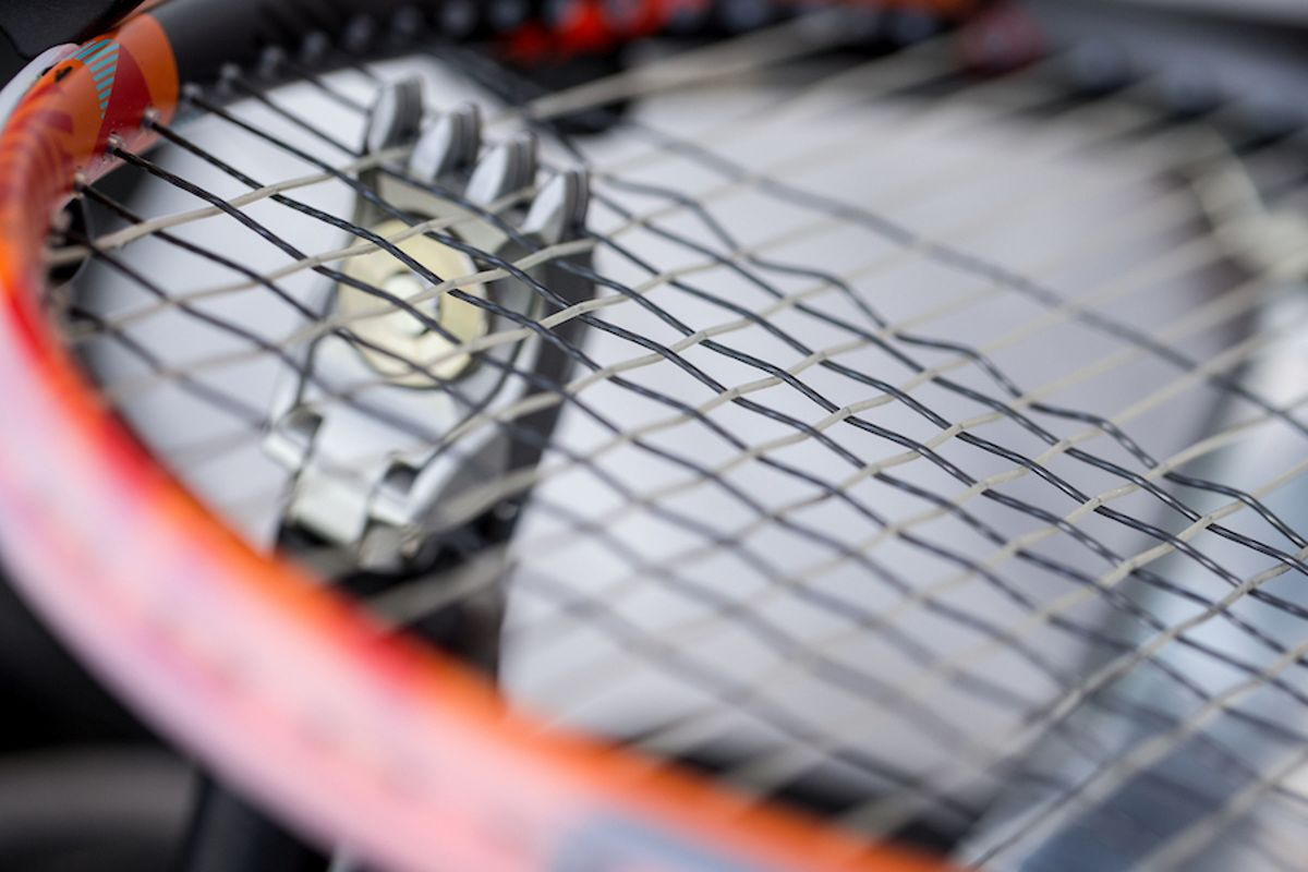 restring tennis racquet